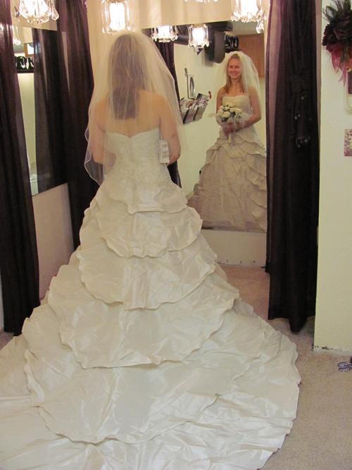Minnesota bridal dress alterations minneapolis st paul mn for Wedding dresses minneapolis mn
